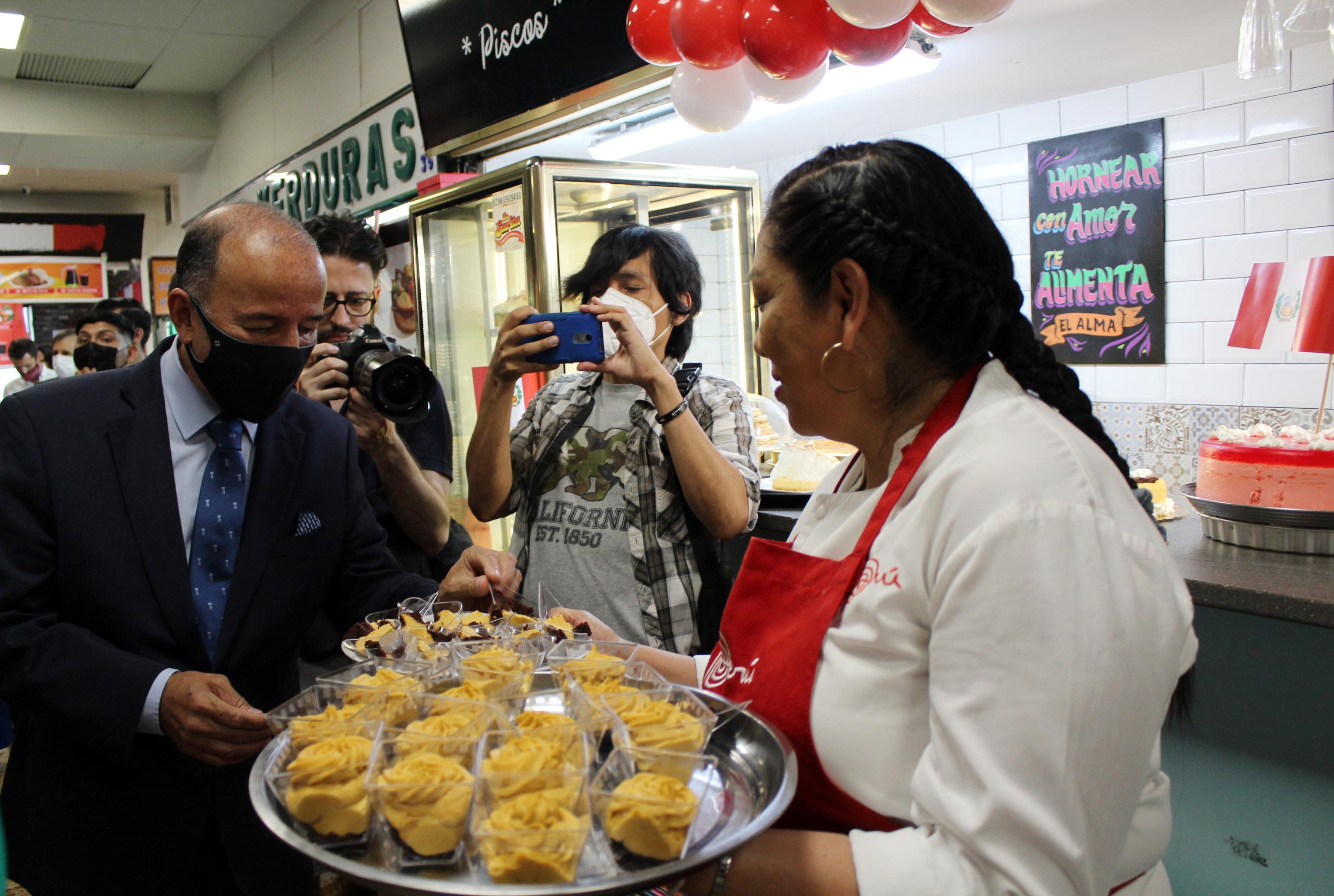 El Mercado de los Mostenses, un oasis para la cocina peruana en pleno centro de Madrid